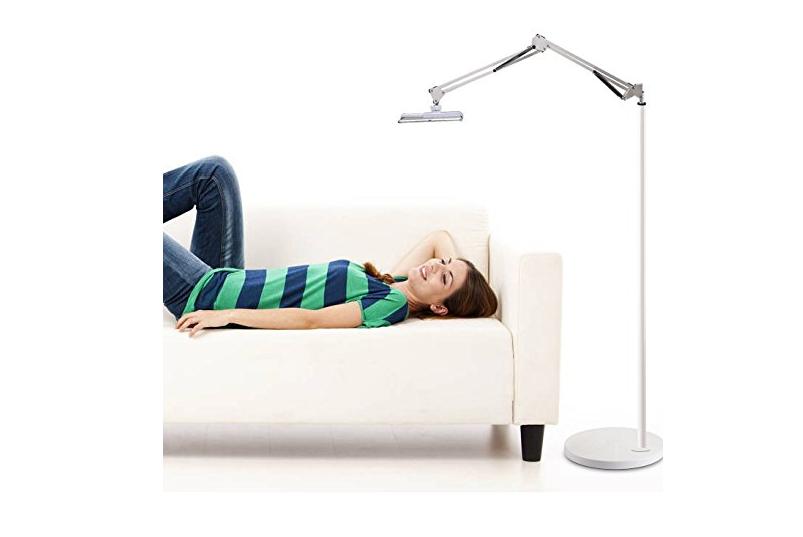 【話題】床置きタイプの「タブレットスタンド」を使って寝ながらニンテンドースイッチをプレイしてみたら便利すぎたwww